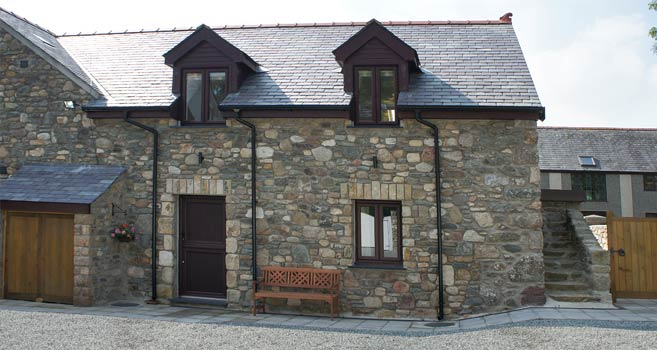 4 person 5 star accommodation Anglesey